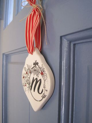 Mongram_ornament_door